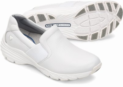 Align鈩� Harmony shoes shown in White