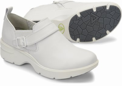 Align™ Arya shoes shown in White