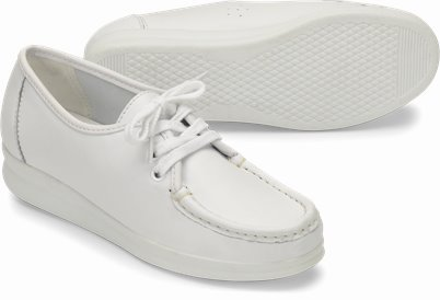 Anni Lo shoes shown in White