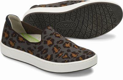 Align™ Cosmic shoes shown in Grey Leopard