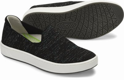 Align™ Cosmic shoes shown in Black Spark