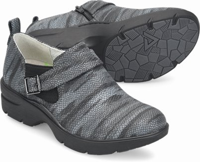 Align™ Arya shoes shown in Charcoal Sweater