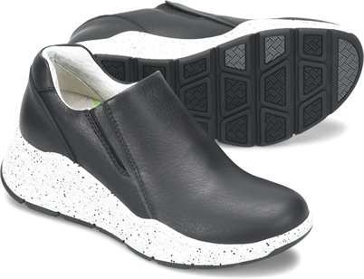 Align™ Luna shoes shown in Black