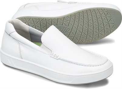 Mens Align™ Trayton shoes shown in White