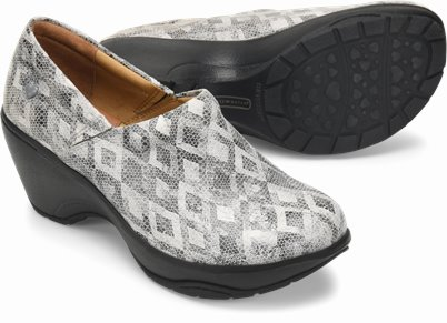 Bryar shoes shown in Grey Diamond