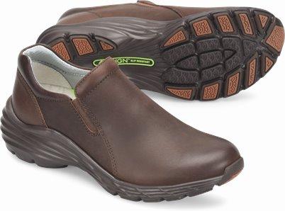 Align™ Dorin shoes shown in COCOA