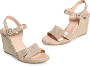 Hydro sandals in Gold
