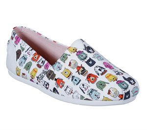 White Skechers BOBS Plush - Wag Crew