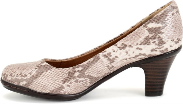Image of the Velma shoe instep