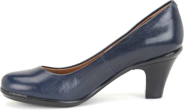 Image of the Velma shoe instep