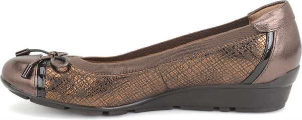Image of the Verlee shoe instep