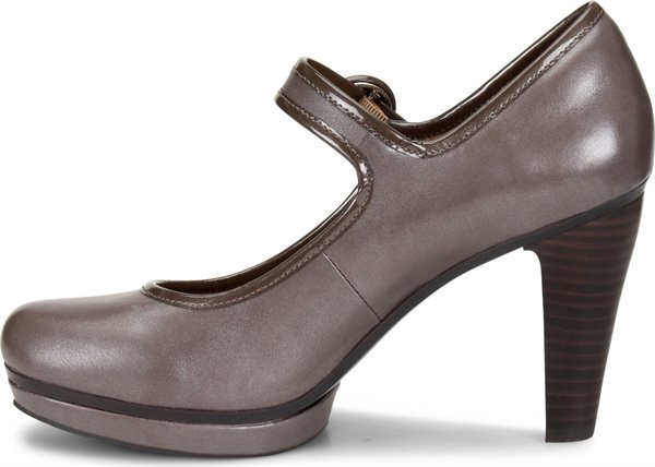 Image of the Monique shoe instep