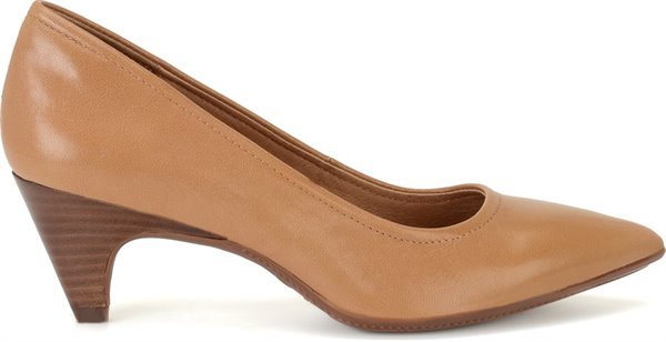 Image of the Altessa II shoe from the side