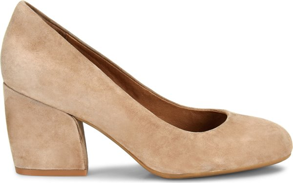 Image of the Tamira shoe from the side