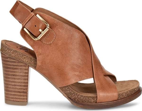 Image of the Cambria shoe from the side