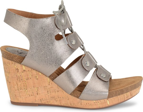 Image of the Carita shoe from the side