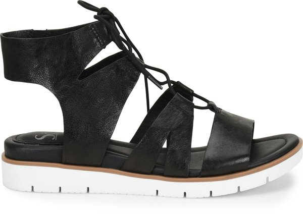 Image of the Madera shoe from the side