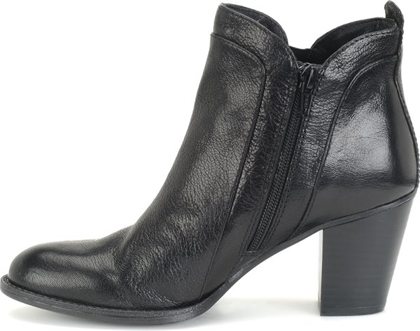 Image of the Waverly shoe instep