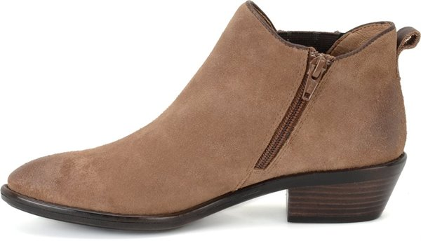 Image of the Vinton shoe instep