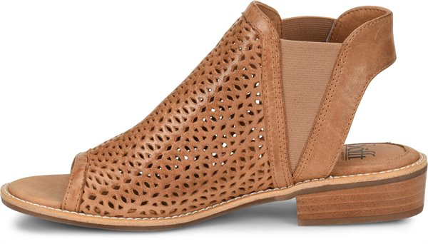 Image of the Nalda shoe instep