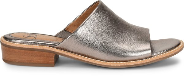 Image of the Nola shoe from the side