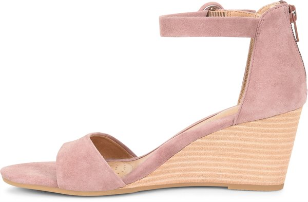 Image of the Marla shoe instep