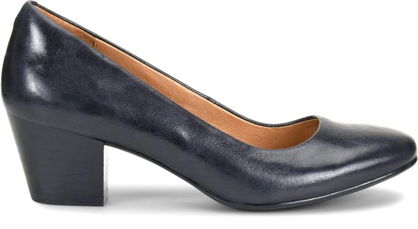 Image of the Lindon shoe from the side