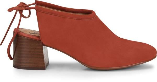 Image of the Lenora shoe from the side
