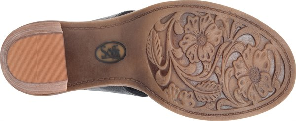 Image of the Pemota outsole