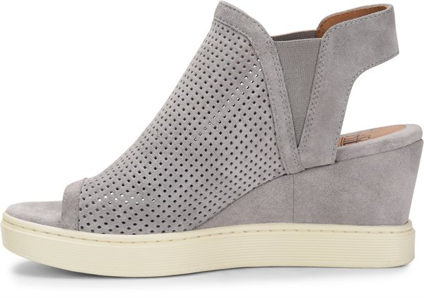 Image of the Basima shoe instep