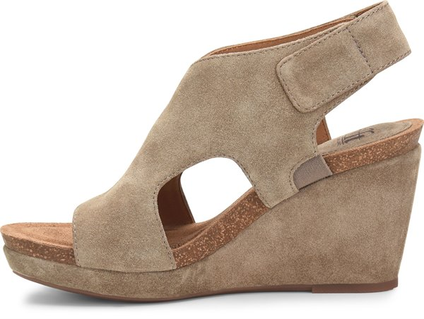 Image of the Chloee shoe instep