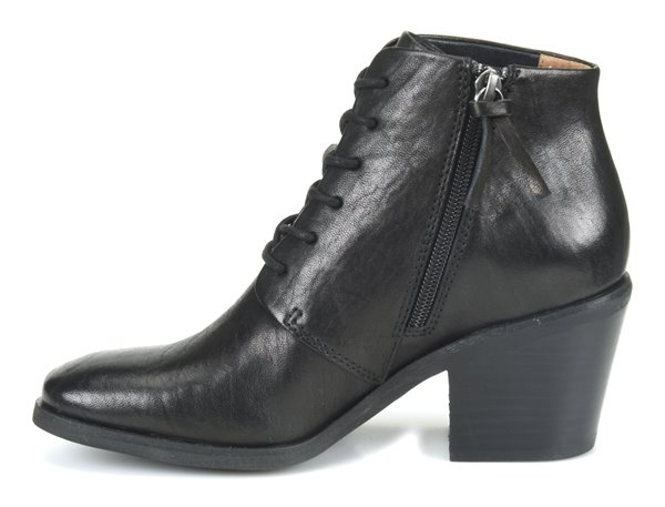 Image of the Corlea shoe instep