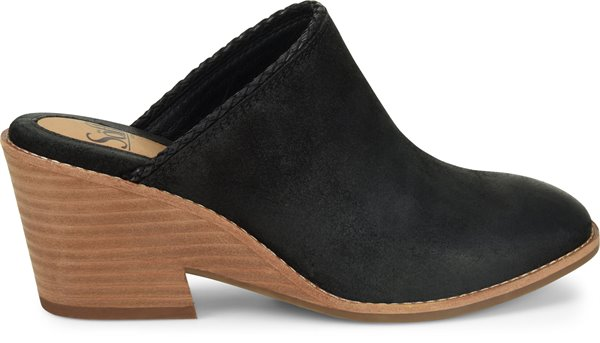 Image of the Samarie shoe from the side