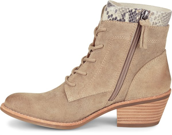 Image of the Althea shoe instep