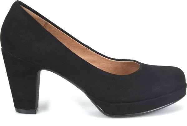 Image of the Gabie shoe from the side