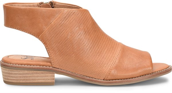 Image of the Natalia shoe from the side