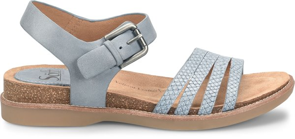 Image of the Brinda shoe from the side