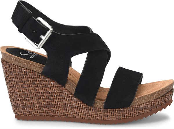 Image of the Haddison shoe from the side
