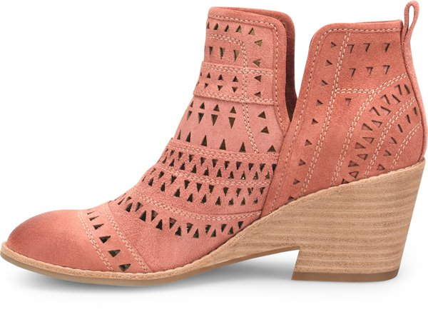 Image of the Sallie shoe instep