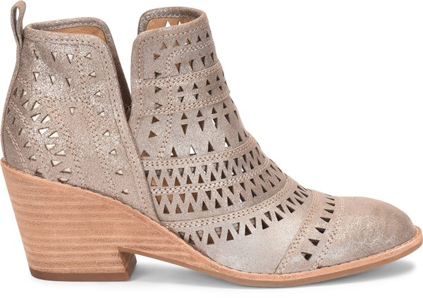 Image of the Sallie shoe from the side