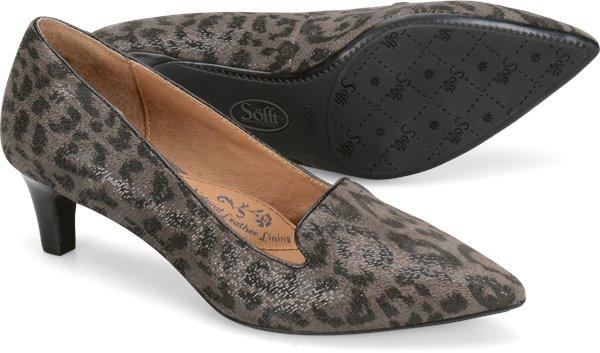 Pair shot image of the Vesper shoe