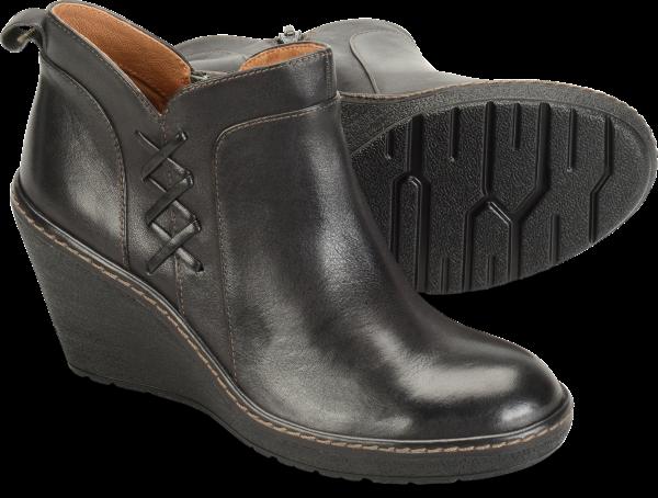 Pair shot image of the Carminda shoe
