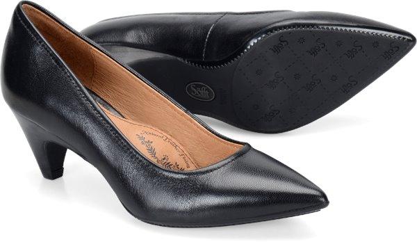 Pair shot image of the Altessa II shoe