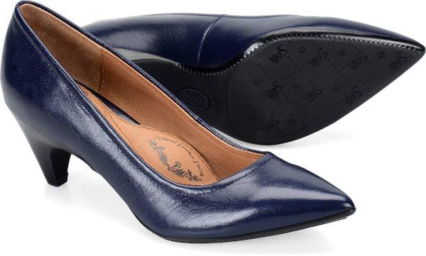 Pair shot image of the Altessa-II shoe