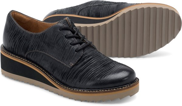 Pair shot image of the Salerno shoe