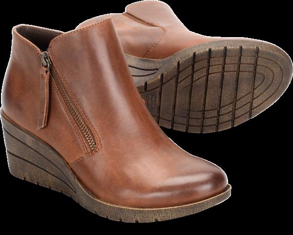 Pair shot image of the Salem shoe