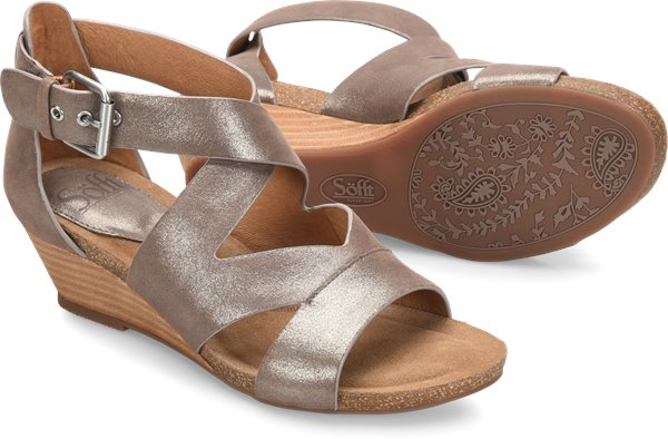 Pair shot image of the Vara shoe
