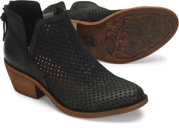 Pair shot image of the Addie shoe