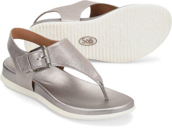 Pair shot image of the Farlyn shoe