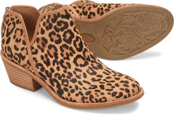Pair shot image of the Abena shoe